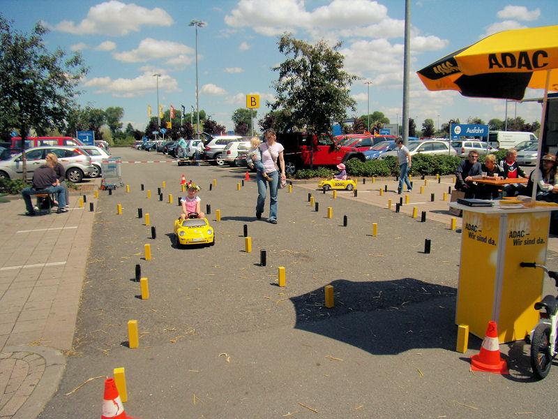 Bobbycar Rallye von der ADAC Vertriebsagentur Marita Wollgam