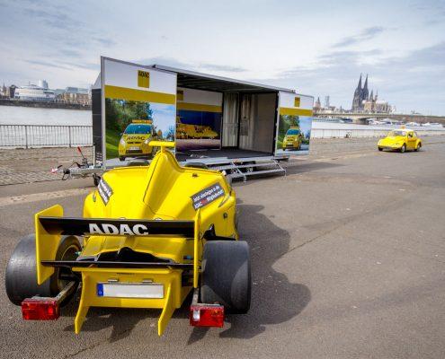 Formel-1-Simulator-Transporter